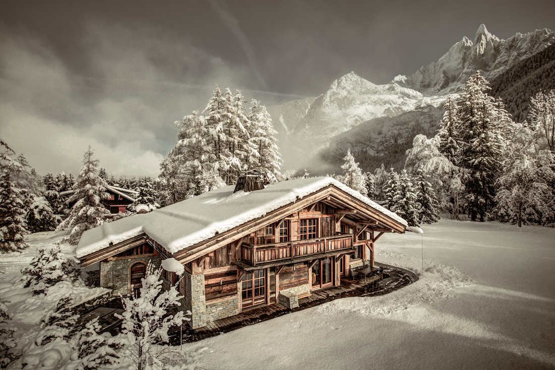 _AJP1551And8more2019-12-outdoor-chalet-sun001